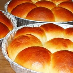Adapted from one of my favorite cookbooks, The Bread Bakers Apprentice (by Peter Reinhart), this recipe makes lovely sweet, light loaves. Prep time includes time for fermentation and proofing of the s Portuguese Sweet Bread, Portuguese Recipes, Portuguese Food, Portuguese Desserts, Bread Recipes, Cooking Recipes, Bread Rolls, Dinner Rolls, Snacks