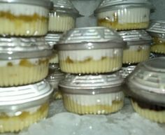 Cake In A Jar, Dessert In A Jar, Sweet Recipes, Cake Recipes, Dessert Recipes, Just Desserts, Delicious Desserts, Brazillian Food, Naked Cakes