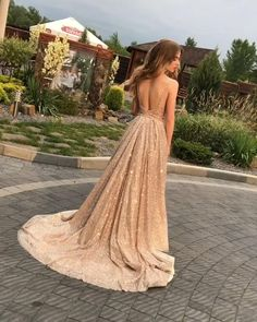 Stunning Prom Dresses, Simple Prom Dress, Prom Dresses For Teens, Prom Outfits, Perfect Prom Dress, Beautiful Prom Dresses, Prom Dresses Blue, Ball Dresses, Different Prom Dresses