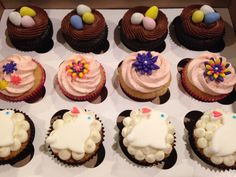 Easter cupcakes with fondant bunny, Tobin eggs nest and fondant flowers in spring colors