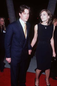 Mark Elizabeth Hurley and Hugh Grant at event of Sense and Sensibility Elizabeth Hurley, Hugh Grant Liz Hurley, Event Photos, Best Couple, Celebrity Couples, 90s Fashion, Picture Photo, Awards, Hollywood