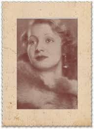Cahide Serap ya da bilinen adıyla Cahide Sonku (1919, Yemen - 1981, İstanbul), Türk sinema ve tiyatro oyuncusu. Türk sinemasının ilk kadın film yönetmeni ve ilk kadın yıldızıdır.