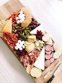 How To Make a Cheese Board (Charcuterie)