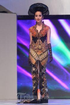20140904_155617_fashion-show-anne-avantie-25-tahun-berkarya.jpg