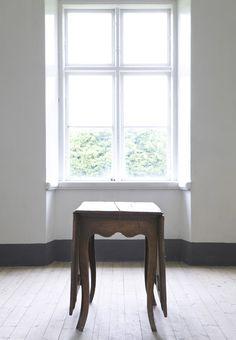 Rokokoslagbord original. Finns i nyproduktion! Ser mer på http://www.solgarden.se/vara-produkter/matbord/rokokoslagbord