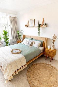 Boho Bedroom Decor, Room Ideas Bedroom, Home Bedroom, Bedrooms, Design Bedroom, Bedroom Wall, Aesthetic Room Decor, Bedroom Green, Cozy Room