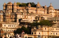 The Mehrangarh Fort is an architectural marvel that stands proudly on a 125 m long hill in the historic city of Jodhpur. This magnificent structure that was built in 1459 AD spreads over an area of around 5 km and is one of the largest forts in India.