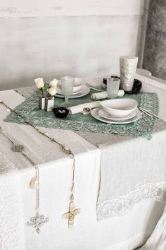 #danieladallavalle #artepura #fw15 #collection #white #green #bed #table