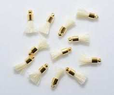 Ivory Cotton Mini Tassel Pendant, Jewelry Craft Supply, Polished Gold - 4pcs / RG0038-PGIV