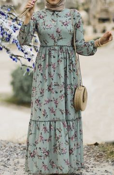 Modest Fashion Hijab, Hijab Style Dress, Casual Dress Outfits, Stylish Dresses, Simple Dresses, Simple Outfits, Muslim Women Fashion, Islamic Fashion, Habits Musulmans