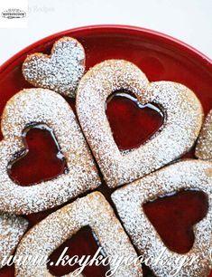 Valentine Linzer Cookies ~ Linzer cookies recipe with ground almonds and raspberry jam. Recipe With Ground Almonds, My Funny Valentine, Valentines Day, Valentine Stuff, Cookie Recipes, Dessert Recipes, Desserts, Linzer Cookies, Linzer Tart
