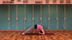 Von #sirsasana in #dwipadaviparitadandasana. #yogainspiration #asana #yogapraxis #yogaüben #backbends #inversions #yogaseries #yogakraftwerk #nicitannert