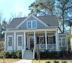 The Eden Plan by Allison Ramsey Architects built at I'on in Mount Pleasant, South Carolina. This plan is 2461 Heated Square Feet, 4 Bedrooms and 3 Bathrooms. Carolina Inspirations Book I, Page 4, C0231.