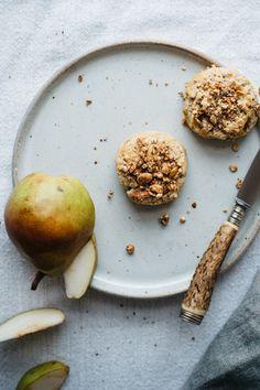 (Mini) granola + pear scones
