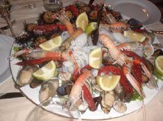 Image from http://media-cdn.tripadvisor.com/media/photo-s/01/c5/38/5a/un-po-di-frutti-di-mare.jpg.