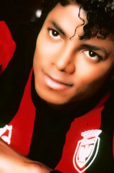 My Yummy MJ. I'd blissfully drown in those Luscious eyes.!!! ♥♥♥  :***