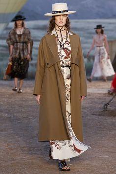 Круизная коллекция Dior 2018   Блогер b_a_b_a на сайте SPLETNIK.RU 12 мая 2017   СПЛЕТНИК