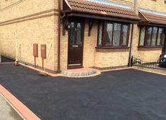 We specialise in all types of driveways in Doncaster, and supply superb surfacing solutions for both commercial and domestic customers. Our extensive range of solutions includes driveways, pathways, car parks, road repairs and pavement lowering, so you can guarantee that our dedicated team will be able to meet your