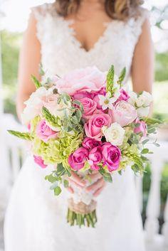 White and pink rose bouquet. Floral Design: Designs By De Simone.