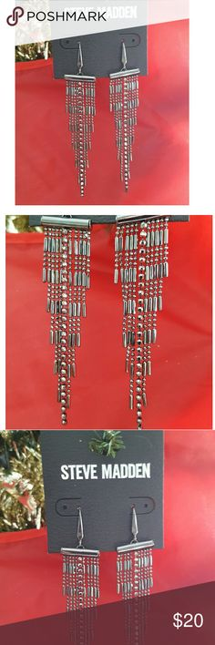 Steve Madden  Earrings with Dark  Toned Metal These Steve Madden  Drop Earrings with Dark   Toned Metal is elegant and delicate with its detailed fringes. Fashion Jewelry. #19 BUNDLE 3 OR MORE ITEMS AND SAVE 20% Steve Madden Jewelry Earrings