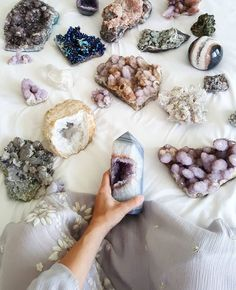 let the day be filled with love & crystals minerals spirit quartz cactus quartz aura angel aura calcite quartz geode agate amethyst Crystals And Gemstones, Stones And Crystals, Gem Stones, Crystals For Home, Beach Stones, Large Crystals, Natural Crystals, Pierre Decorative, Decorative Rocks