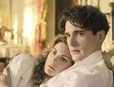 Yon González in Gran Hotel... My heart hurts for Andres and for Alicia right (I know that has nothing to to do with this picture but just watched this episode and it is hard to watch such good characters be in so much pain)
