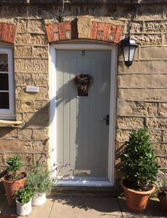Farrow and Ball Hardwick White front door: Click through for Farrow and Ball's Top 15 Panted Front Doors on Modern Country Style