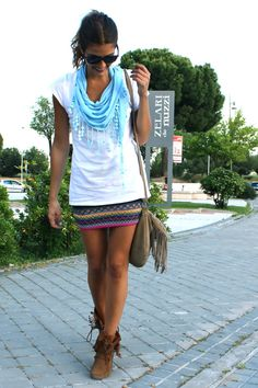 If I could pull off the stretchy pencil skirt deal, and I didn't live in a state where you sweat just walking to the mail box.. I'd rock this.
