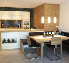 """For a small kitchen """"spacious"""" it is above all a kitchen layout I or U kitchen layout according to the configuration of the space. Kitchen Innovation, Kitchen Dining Room Combo, Rustic Kitchen Design, Minimalist Bathroom Design, Dining Room Combo, Dining Room Decor Traditional, Dining Room Victorian, Kitchen Layout, Kitchen Design"""