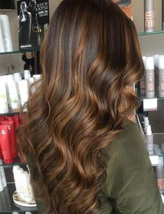 copper balayage Balayage Hair Trend: 51 Balayage Hair Colors & Tips To Get Balayage Highlights - Everything For The Best Hairstyles - Balayage Hair Trend: 51 Balayage Hair Colors & Ti Medium Brown Hair Color, Golden Brown Hair Color, Honey Brown Hair, Brown Blonde Hair, Light Brown Hair, Brown Hair Colors, Copper Balayage, Balayage Color Castaño, Balayage Highlights