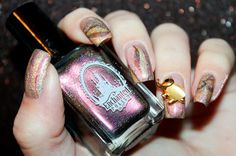 Elephant Nail Art by diamant sur l'ongle http://diamantsurlongle.blogspot.fr/2015/10/elephant-nail-art.html