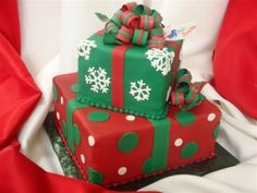 Christmas Presents By ArtistInTraining07 on CakeCentral.com