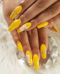 Trendy Yellow Nail Art Designs To Make You Stunning In Summer;Acrylic Or Gel Nails; French Or Coffin Nails; Matte Or Glitter Nails; Mauve Nails, Glitter Nails, Fun Nails, Acrylic Nail Art, Acrylic Nail Designs, Nail Art Designs, Yellow Nails Design, Yellow Nail Art, Coffin Nails