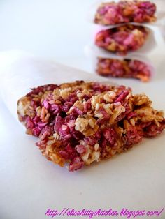 Italian recipes... Crunchy berry granola bar