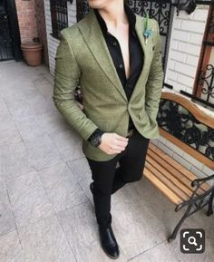 Image may contain: one or more people Blazer Outfits Men, Mens Fashion Blazer, Mens Fashion Wear, Latest Mens Fashion, Suit Fashion, Best Casual Shirts, Blazers For Men Casual, Big Man Suits, Man Suit Style