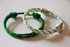 TallerdeLuna: Pulseras náuticas básicas Paracord Bracelet Designs, Paracord Bracelets, Bracelet Tutorial, Bracelets For Men, Celtic Bracelet, Ring Bracelet, Celtic Knot, Rope Crafts, Friendship Bracelets