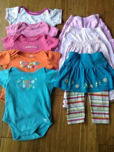 Lot Of 8 Baby Girl Clothes Bodysuit Shorts Skirt Size 12 Months