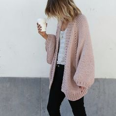 I Love Mr Mittens - Australian HeartWorking Knitwear Fall Winter Outfits, Autumn Winter Fashion, Cardigan Rose, Chunky Knit Cardigan, Oversized Cardigan Outfit, Pink Sweater Outfit, Chunky Knitwear, Chunky Sweaters, Slouchy Sweater