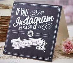 Schild für die Hochzeit mit Hashtag für Instagram