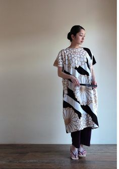 One piece dress with big chrysanthemum flowers, handprinted and made in Japan. $98.50 #sousou, #kimono, #japan