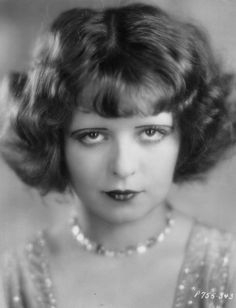 Pictures of Clara Bow, Picture Clara Gordon Bow (/ˈboʊ/; July 1905 – September was an American actress who rose to stardom in silent film during the Louise Brooks, Old Hollywood Glamour, Vintage Hollywood, Hollywood Divas, Classic Hollywood, Joan Crawford, Hula, Preston, Bow Image