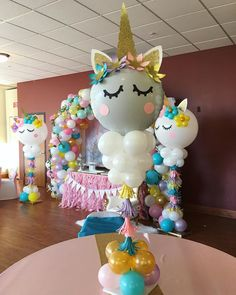 Balloons add some different look in any type of room decoration whether it is birthday or some different kind of celebration parties. Here are some diy balloon decoration ideas for you. Birthday Party Centerpieces, Balloon Centerpieces, Balloon Decorations Party, Masquerade Centerpieces, Wedding Centerpieces, Unicorn Themed Birthday Party, Birthday Balloons, 1st Birthday Parties, Unicorn Centerpiece