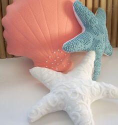 CHRISTMAS SALE Peach colored fleece minky fabric by Fleeceofnature shell pillow (Diy Pillows) Cute Pillows, Diy Pillows, Nautical Pillows, Pillow Ideas, Decorative Pillows, Cushions, Mermaid Bedroom, Mermaid Pillow, Mermaid Room Decor
