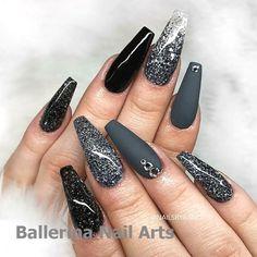 Ballerina nails gray glitter with rhinestones acrylic Black And White Nail Designs, Black Nail Art, Matte Black, Gray Nails, Matte Nails, Acrylic Nails Coffin Glitter, Coffin Nails, Black Nails With Glitter, Ballerina Acrylic Nails