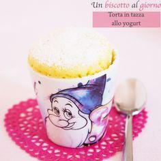 Dopo il successo pazzesco della prima Torta in tazza al cacaoho pensato di proporvi una perfetta alternativa con lo yogurt. Si fa sempre in 5 minuti tra preparazione e cottura.…