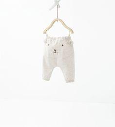 http://www.zara.com/es/es/niños/mini-|-0-12-meses/pantalones/pantalón-carita-c809002p3209016.html