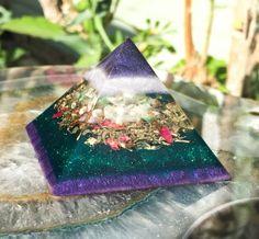 Orgonite Meditation Heart Chakra Crystal por VioletFlameOrgoneLA