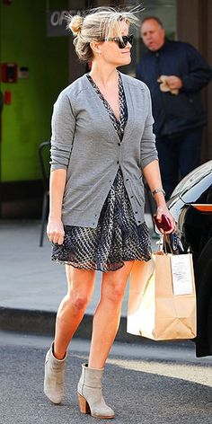 Reese Witherspoon, style icon. Beautiful style for her hair and for her clothes.