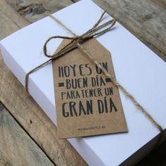 Etiquetas para regalos molones kraft. A la venta en: www.mrwonderfulshop.es