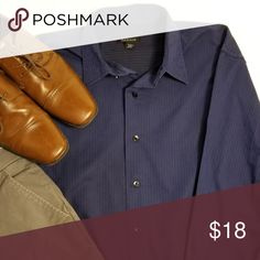 Men's Van Huesen Blue Dress Shirt Excellent condition! Blue with thin white stripes Van Heusen Shirts Casual Button Down Shirts